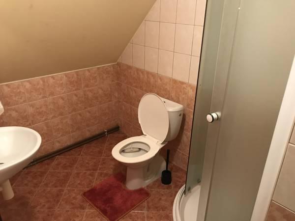 dvojluzko-zelene-koupelna-0